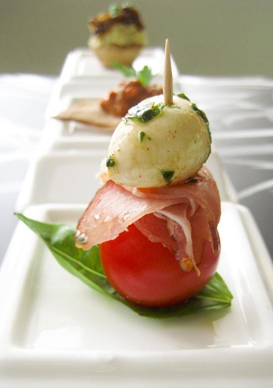 Marinated bocconcini mini mozzarella balls prosciutto for Mozzarella canape
